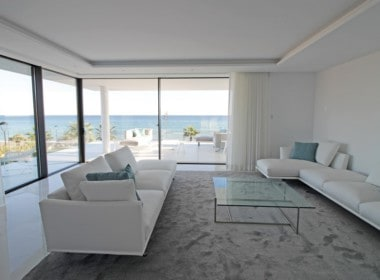 New-Golden-Mile-apartments-Marbella-livingroom-with-a-view