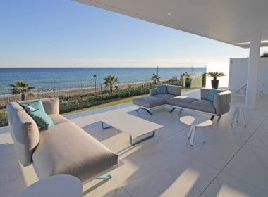 New-Golden-Mile-apartments-terras-with-seaview