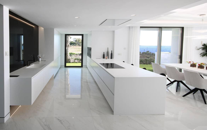Sea front apartments - kitchen - New Golden Mile