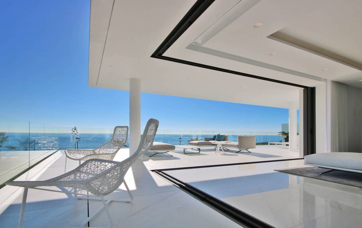 Sea front apartments - many terraces with a view - New Golden Mile