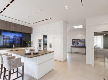 Villa te koop in luxe-wijk Altos de los Monteros, Marbella, open keuken