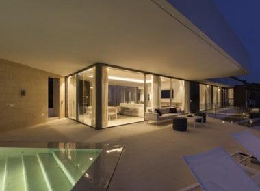 Villa te koop in luxe-wijk Altos de los Monteros, Marbella, zoutwater zwembad en gezellig terras