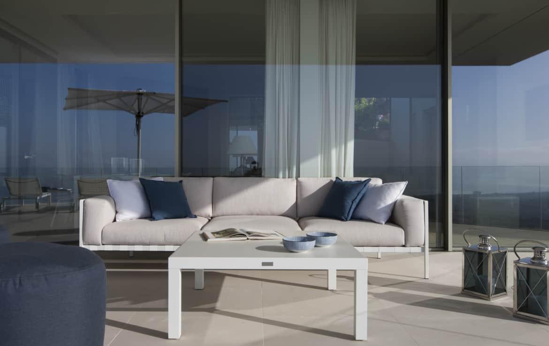Villa te koop in luxe-wijk Altos de los Monteros, Marbella, gezellig overdekt terras