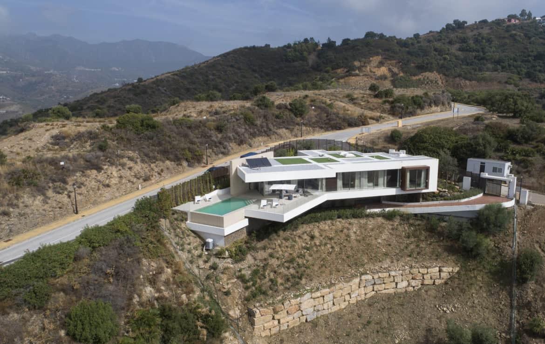 Villa te koop in luxe-wijk Altos de los Monteros, Marbella, archtectonisch design