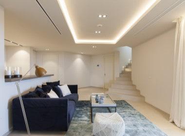Villa te koop in luxe wijk Altos de los Monteros, Marbella, souterrain, kelder, lounge