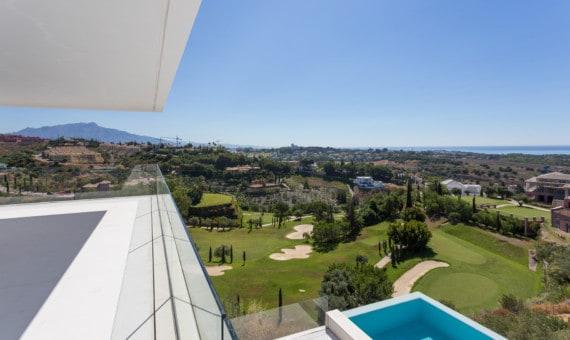 Villa meteen aan de golf van Los Flamingos, met zicht op de fairway, de zee en de bergen