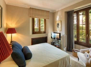VILLA TE KOOP Marbella-Klassieke villa met guest house-Sierra Blanca-5slpk-HighLivingRealEstate-06