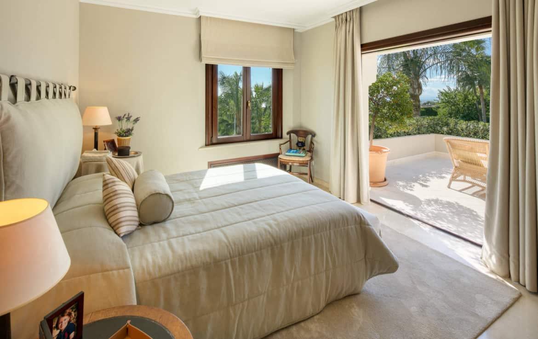 VILLA TE KOOP Marbella-Klassieke villa met guest house-Sierra Blanca-5slpk-HighLivingRealEstate-09