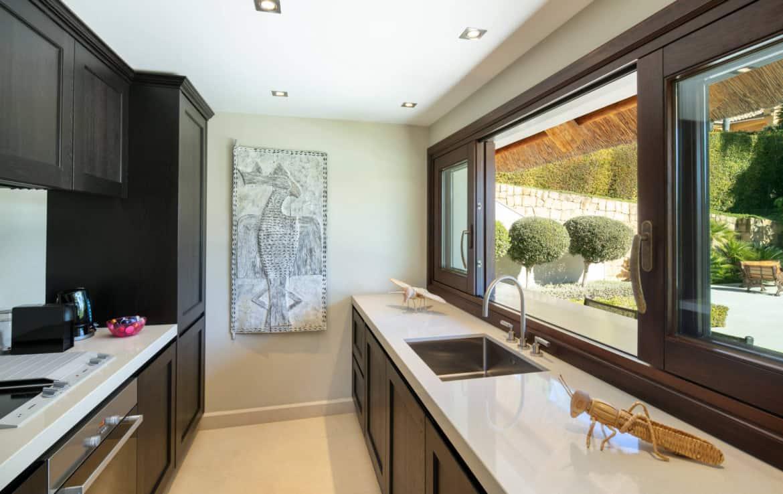 VILLA TE KOOP Marbella-Klassieke villa met guest house-Sierra Blanca-5slpk-HighLivingRealEstate-17