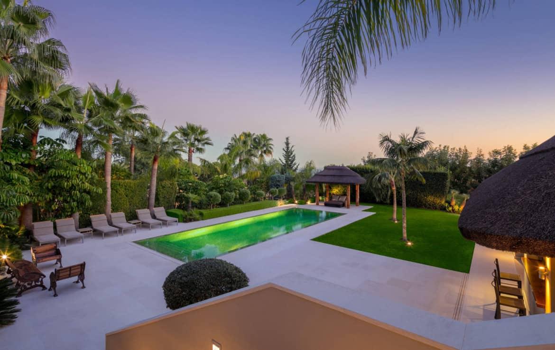 VILLA TE KOOP Marbella-Klassieke villa met guest house-Sierra Blanca-5slpk-HighLivingRealEstate-20