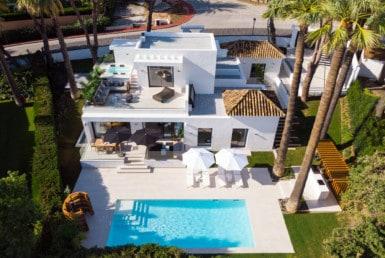 Te koop: Buitenkans. Villa in mooie wijk nabij golf, top renovatie, 4slpk, 5badk, zwembad
