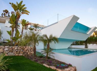 VILLA TE KOOP-Nueva Andalucia-HighLivingRealEstate-10