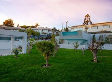 VILLA TE KOOP-Nueva Andalucia-HighLivingRealEstate-11