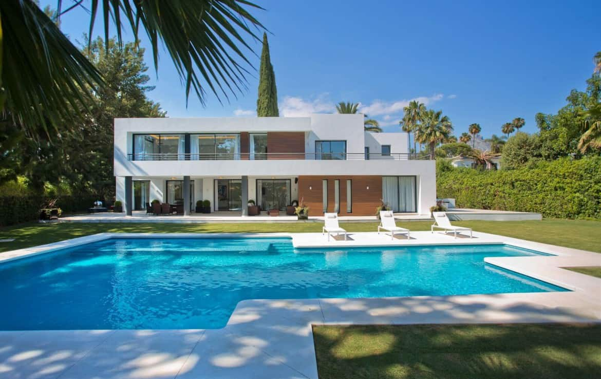 Golf villa te koop in Marbella, golfbaan Las Brisas, architectonisch, privacy, top
