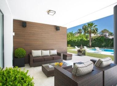 Golf villa te koop in Las Brisas, Marbella, Gezellig terras