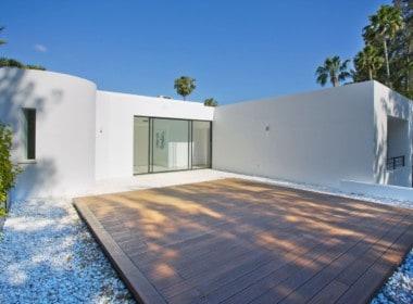 Golf villa te koop in Las Brisas, Marbella, master bedroom zonneterras, yogaterras, solarium