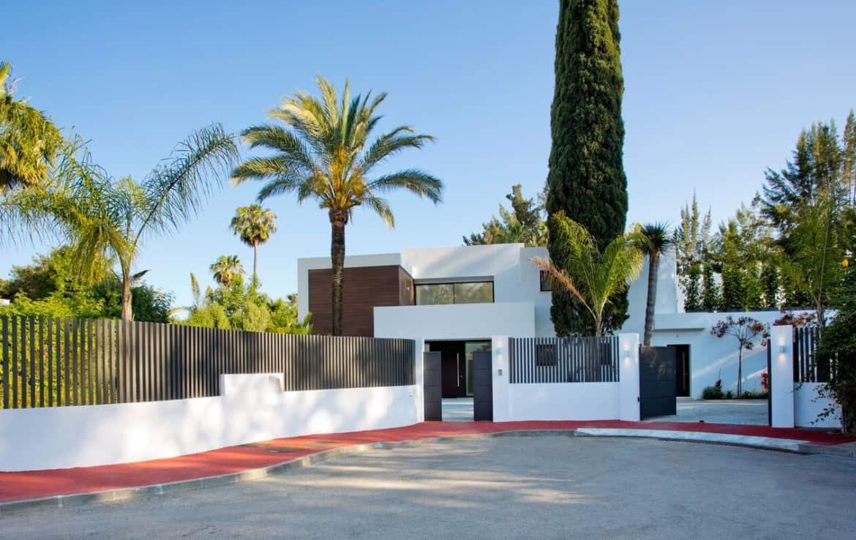 1e lijn golf villa te koop in Las Brisas, doodlopende straat, veel privacy