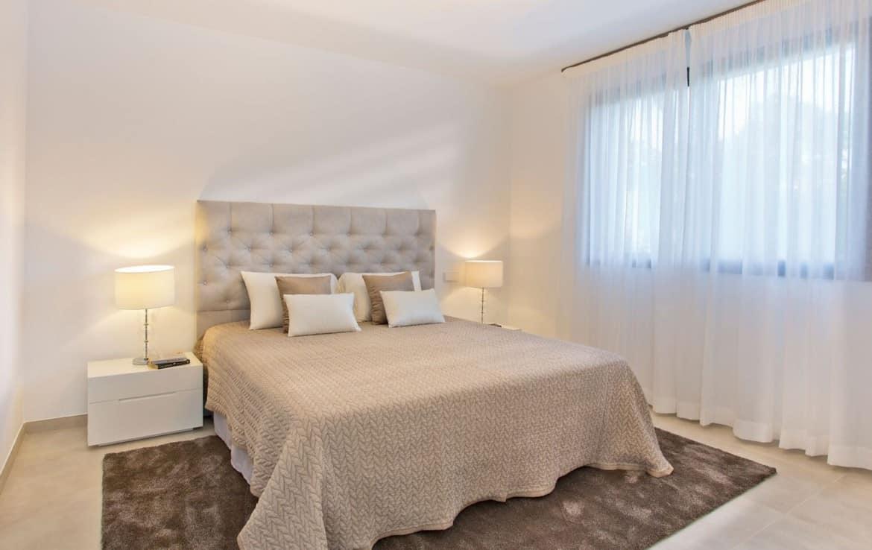 Golf villa te koop in Las Brisas, Marbella, slaapkamer